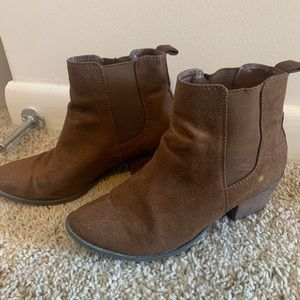 American Eagle Brown Boots, 6